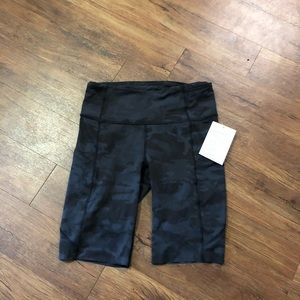 """Fast and Free HR  short 10"""" NWT"""